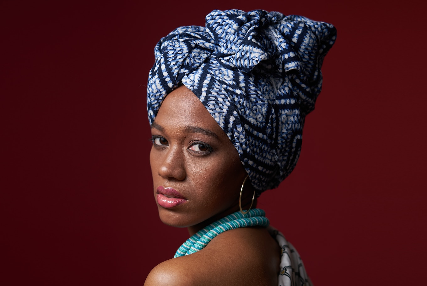 portrait-african-girl-with-head-scarf-alpha-7RIII