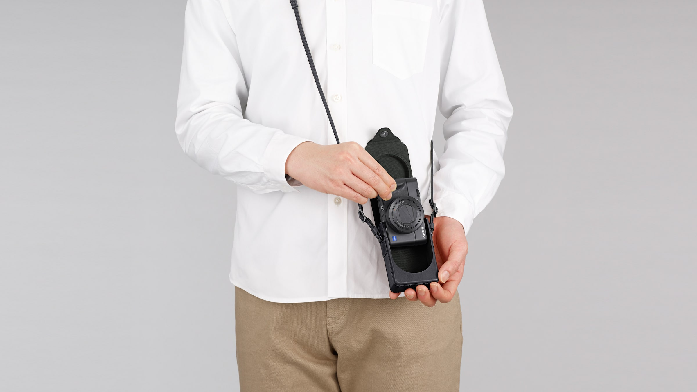 LCS-RXG Soft Carrying Case for RX100 series cameras in action