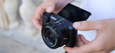 camera with tiltable lcd